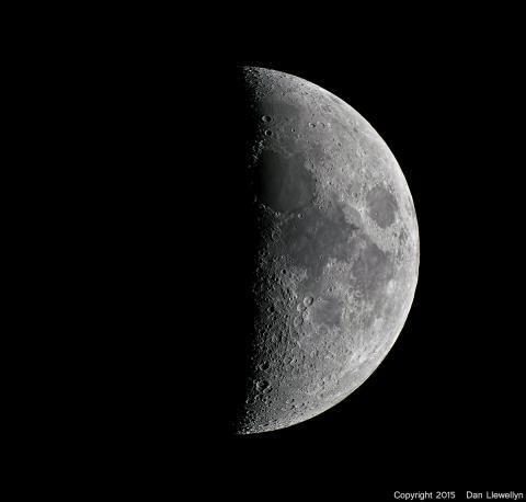 Image of the Moon at Lunar Phase Day 06.