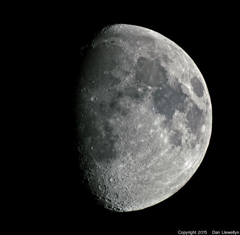 Image of the Moon at Lunar Phase Day 09.