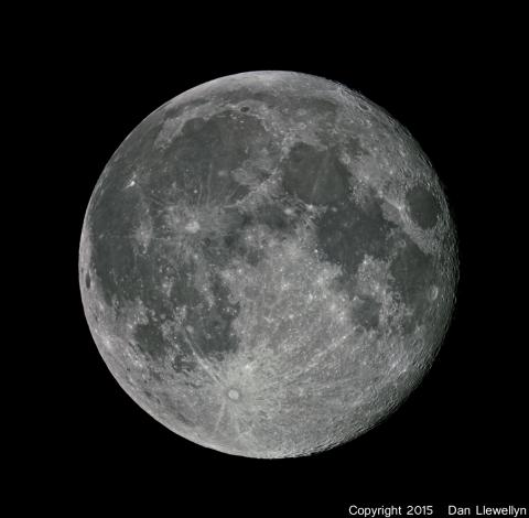 Image of the Moon at Lunar Phase Day 15.