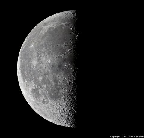 Image of the Moon at Lunar Phase Day 22.